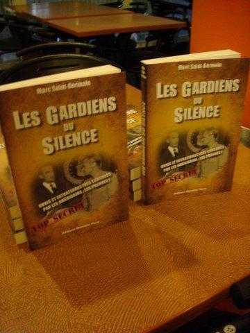 Les gardiens du silence.