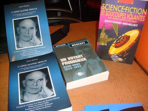 Quelques livres à la vente.