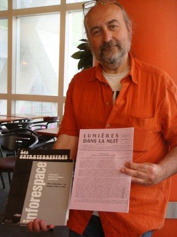 Gilles Durand et un vieux numéro de LDLN