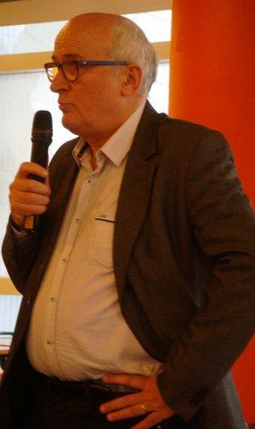 Jean Paul Aguttes au micro