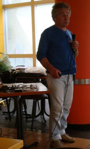 Emmanuel Guizzo pendant sa présentation.