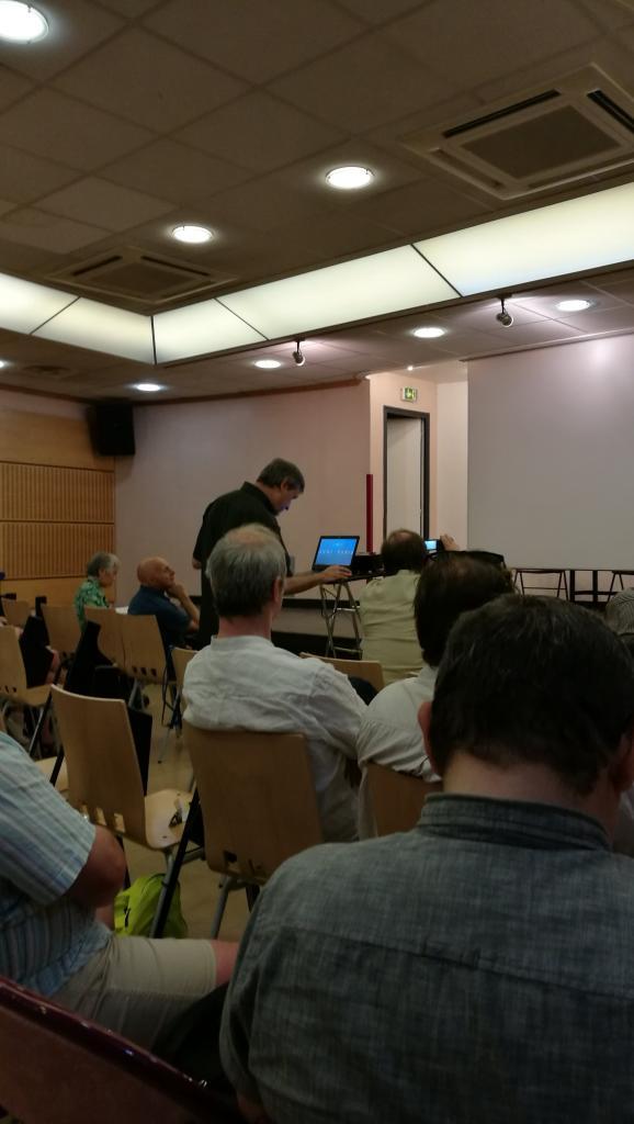 Jean Librero lance sa présentation.