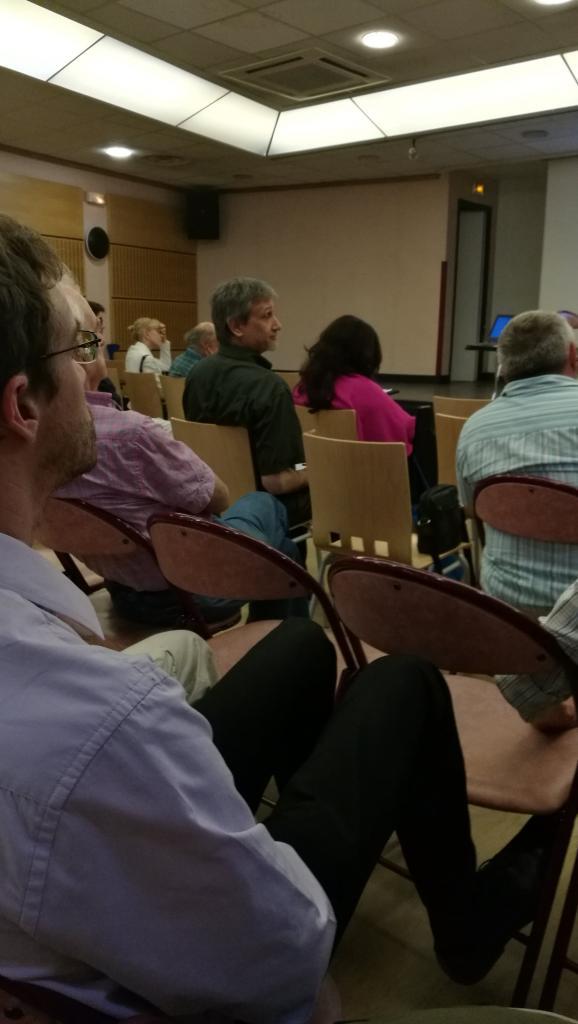 Le public avec Jean Librero au centre gauche