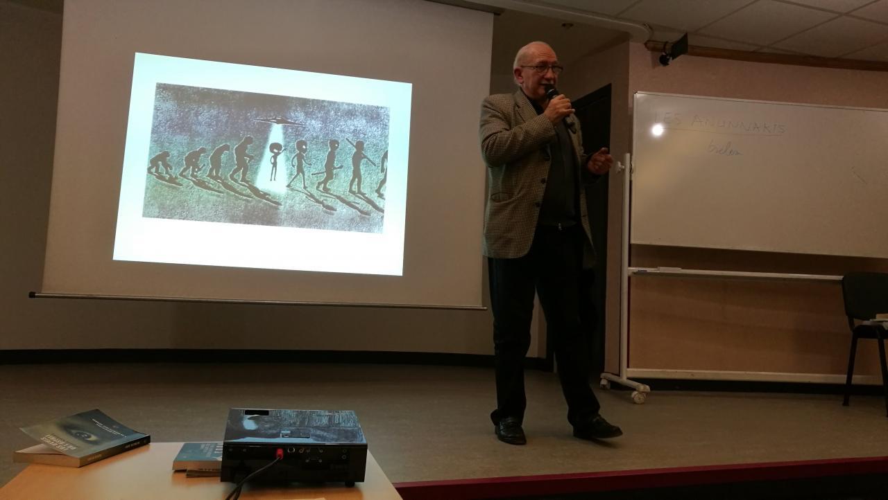 Début de la conférence de Michel Deseille