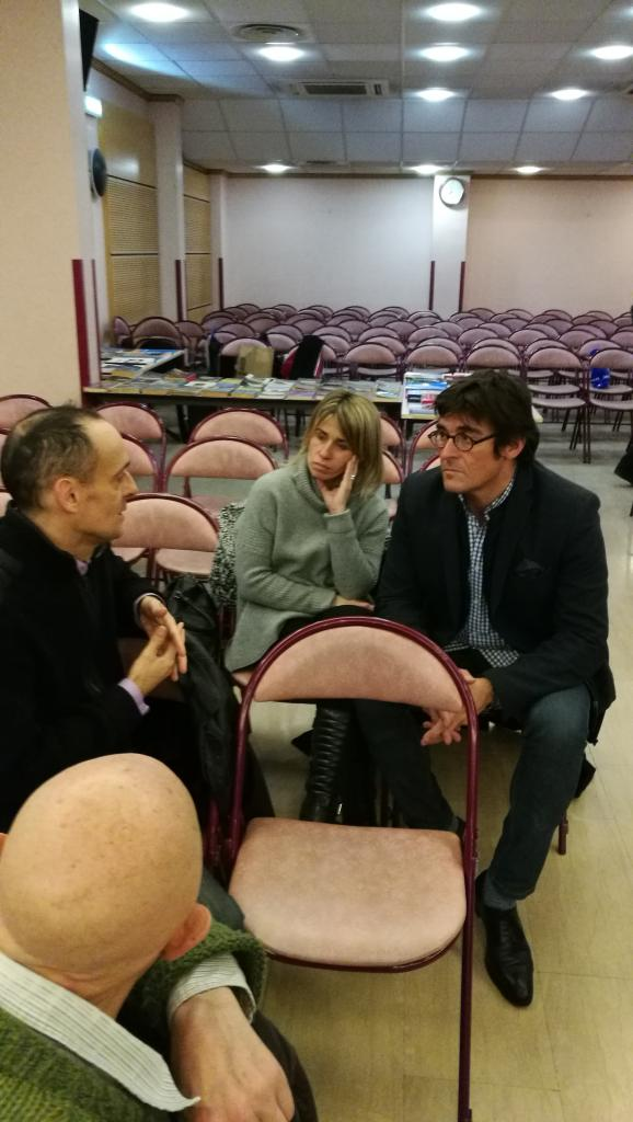 C. Fondacci avec deux auditeurs