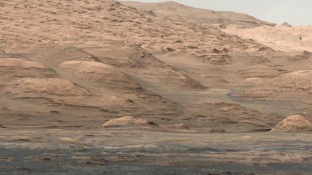 mars-curiosity-rover-mount-sharp-pia19083-Sol387-br2-620x348