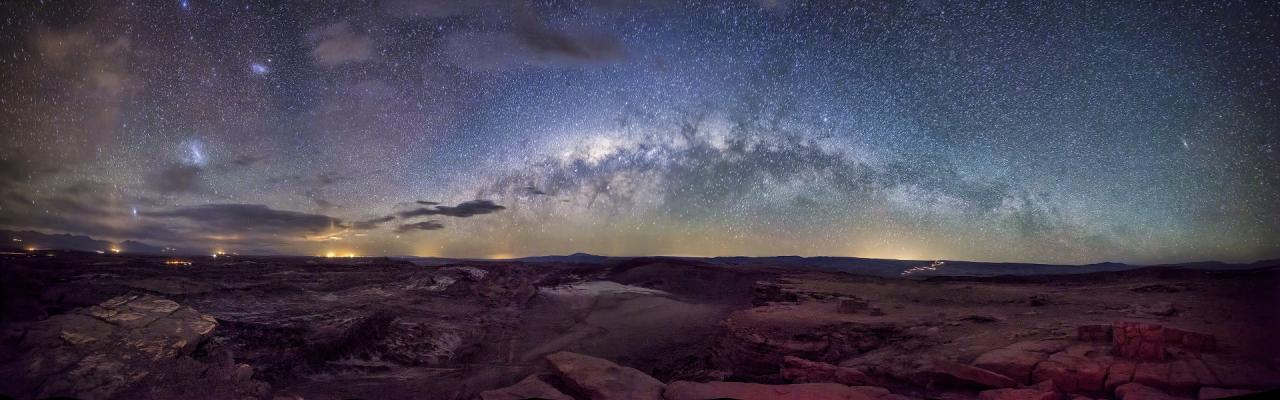 Milky-Way-over-Moon-Valley