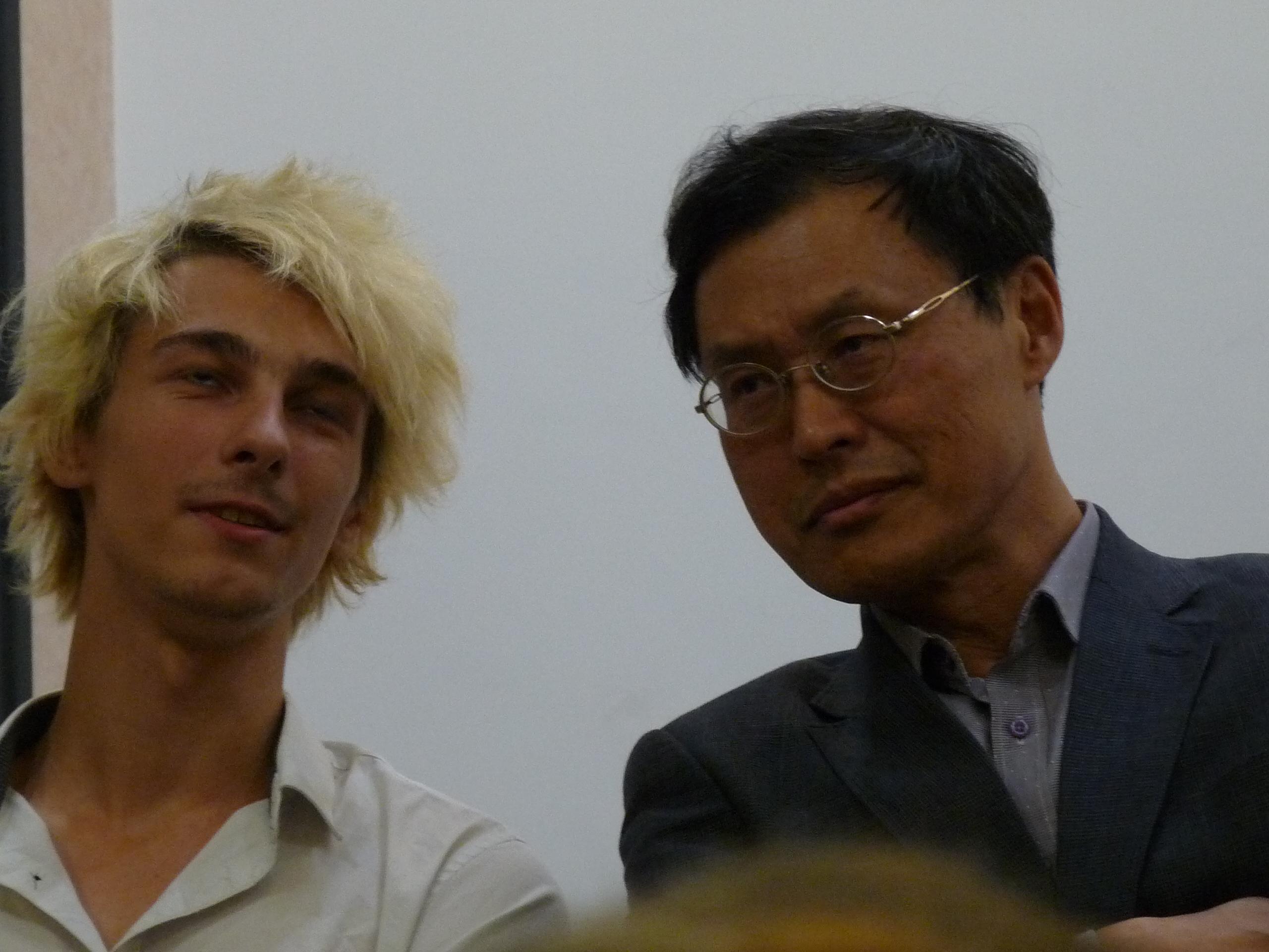 Professor Young Hae Chi et son jeune traducteur