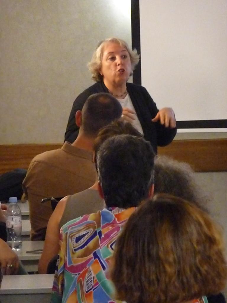 Myriam Belmyr sans micro (Mais sa voix porte )
