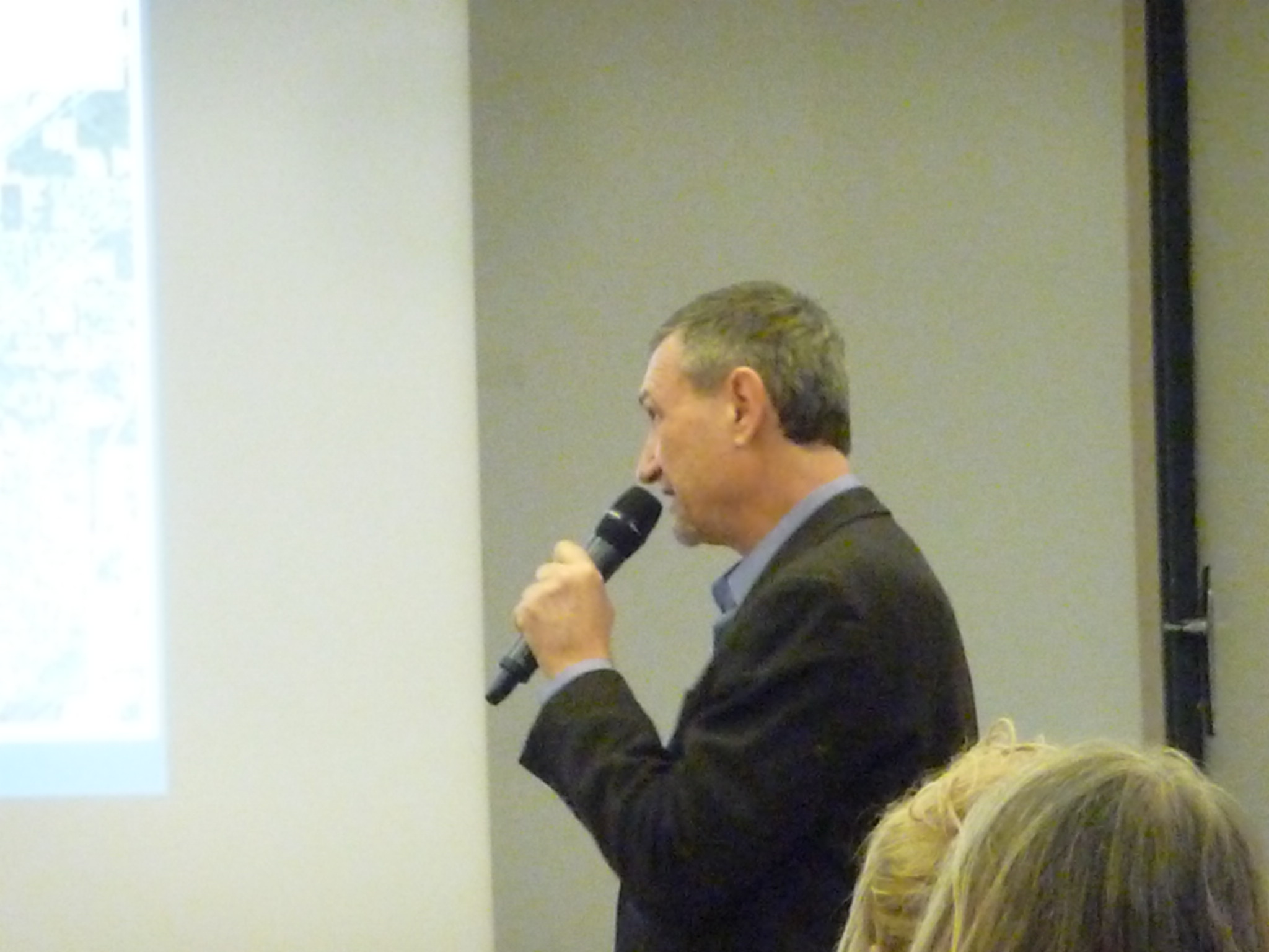 Jean Librero commence sa conférence