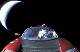 Spaceman dans sa Tesla dit adieu à la Terre